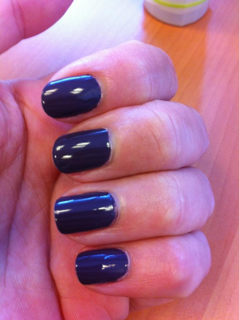 vernis violet gris