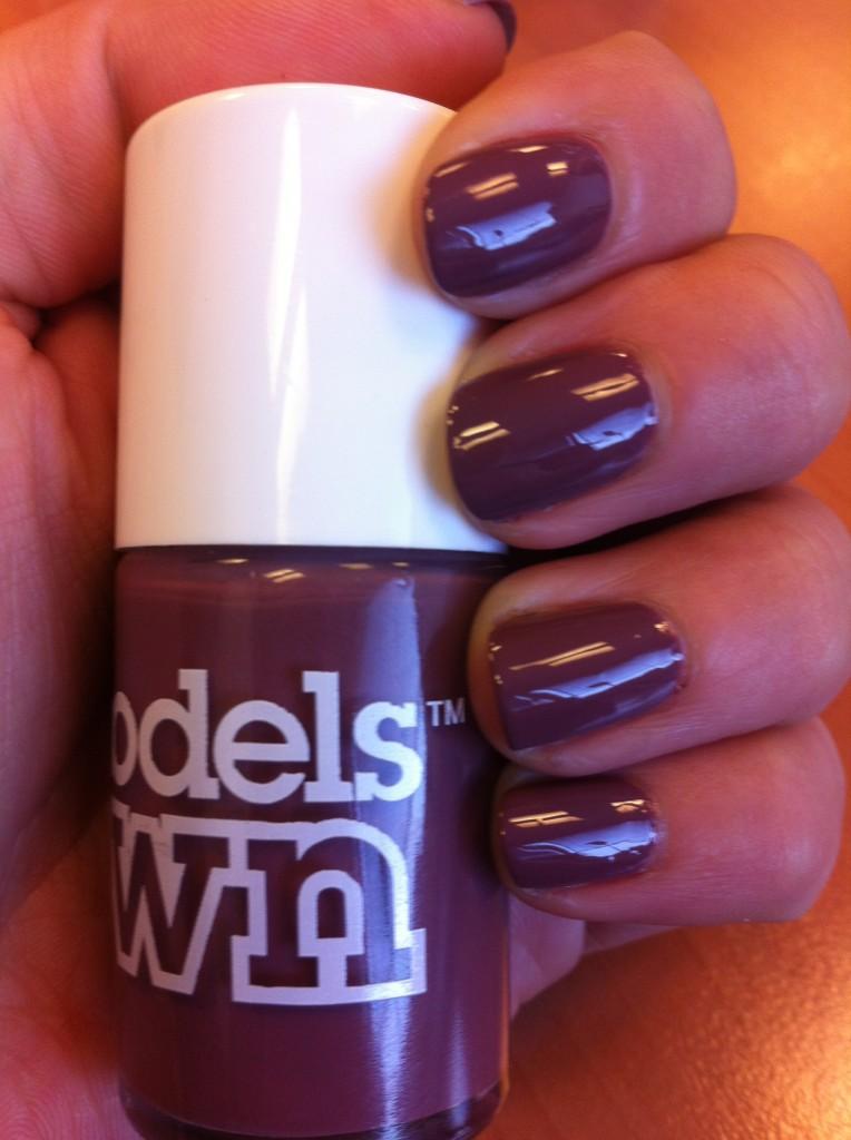 vernis violet grisé