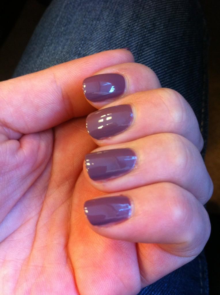 vernis violet cendré