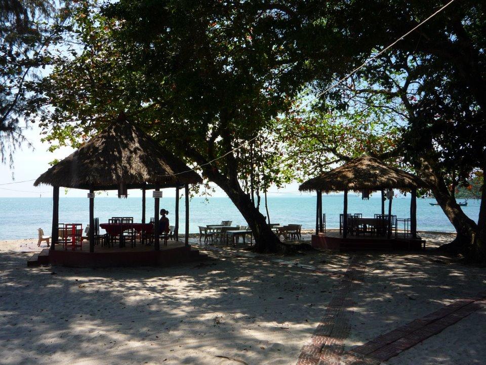 plage privée déserte au Cambodge