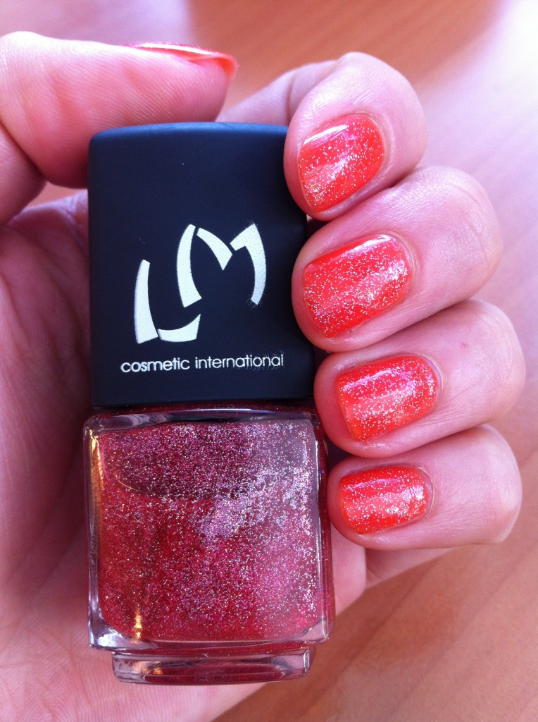 vernis orange et paillettes