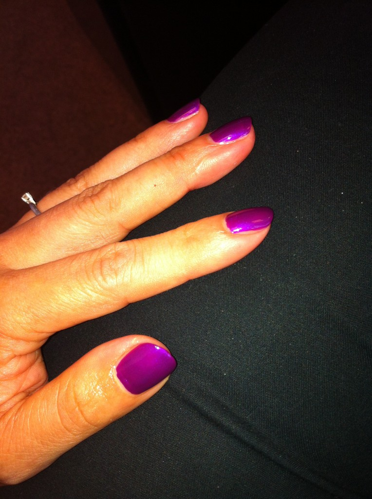 vernis violet essence
