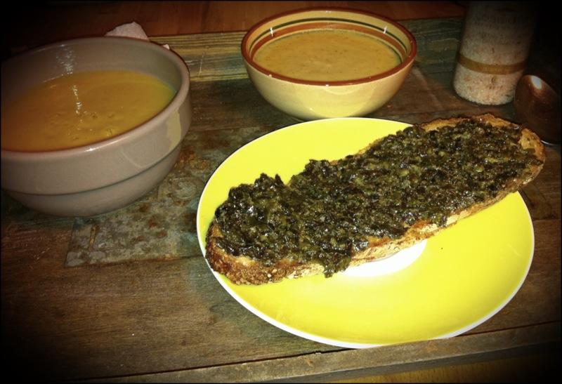 Je reconnais que le tartare d'algue ne fais pas envie, vu comme ça, mais franchement, c'est bon. Et je vous épargne le discours sur ses qualités nutritionnelles, mais c'est aussi très nutritif.