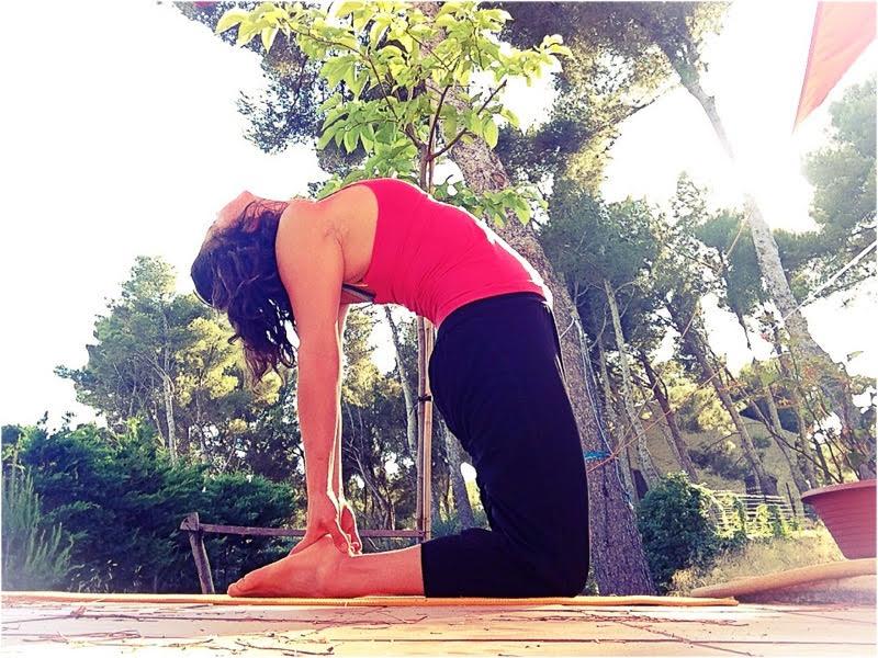 Parce que l'époque où je pouvais illustrer mes articles par des photos de vernis à ongles est bel et bien révolue, j'utilise maintenant des photos de yoga.