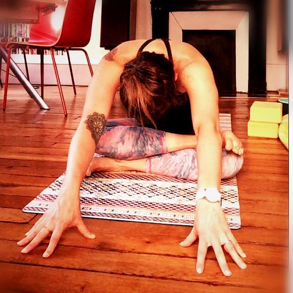Yoga et règles coupe menstruelle
